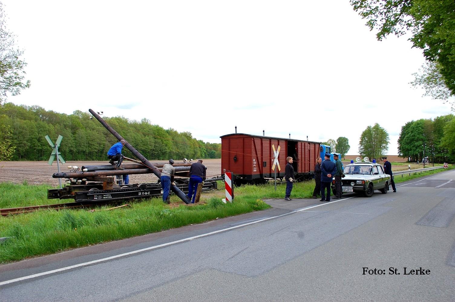 Von Mast zu Mast  – Freileitungsbau in der Praxis beim Prignitzer Kleinbahnmuseum e.V.